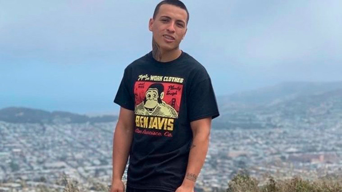 """""""Estaba arrodillado cuando le dispararon"""": ¿qué se sabe sobre el homicidio policial del hijo de una migrante argentina en EE.UU.?"""