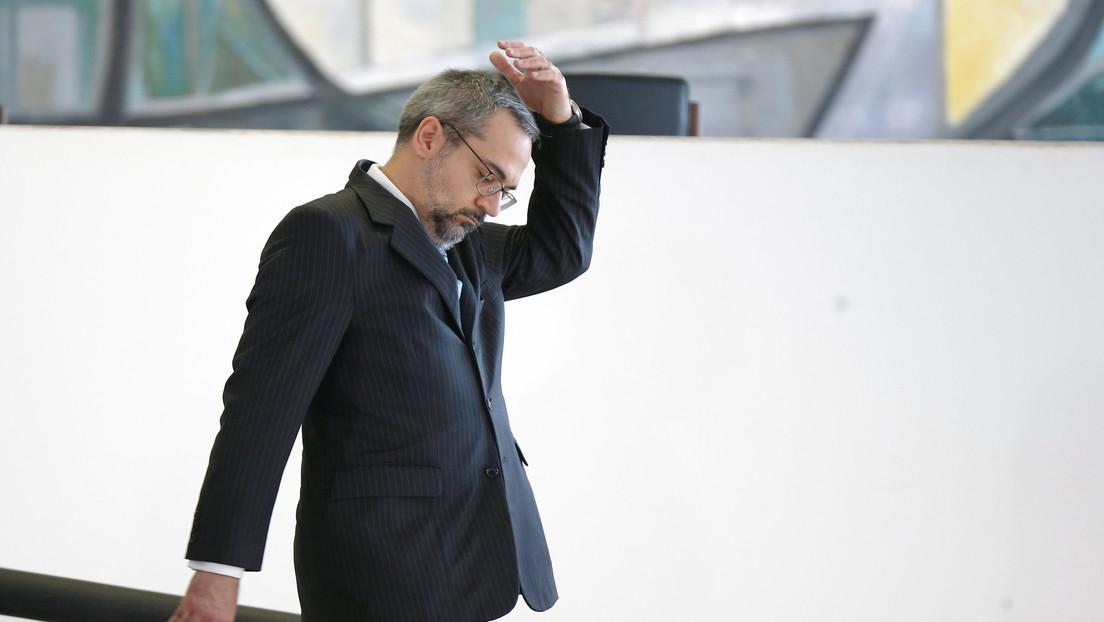 Ministro de Educación de Brasil anuncia su dimisión