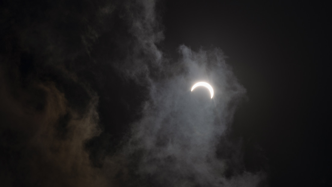 FOTOS: Astronauta de la NASA capta la sorprendente sombra de un eclipse solar desde la EEI