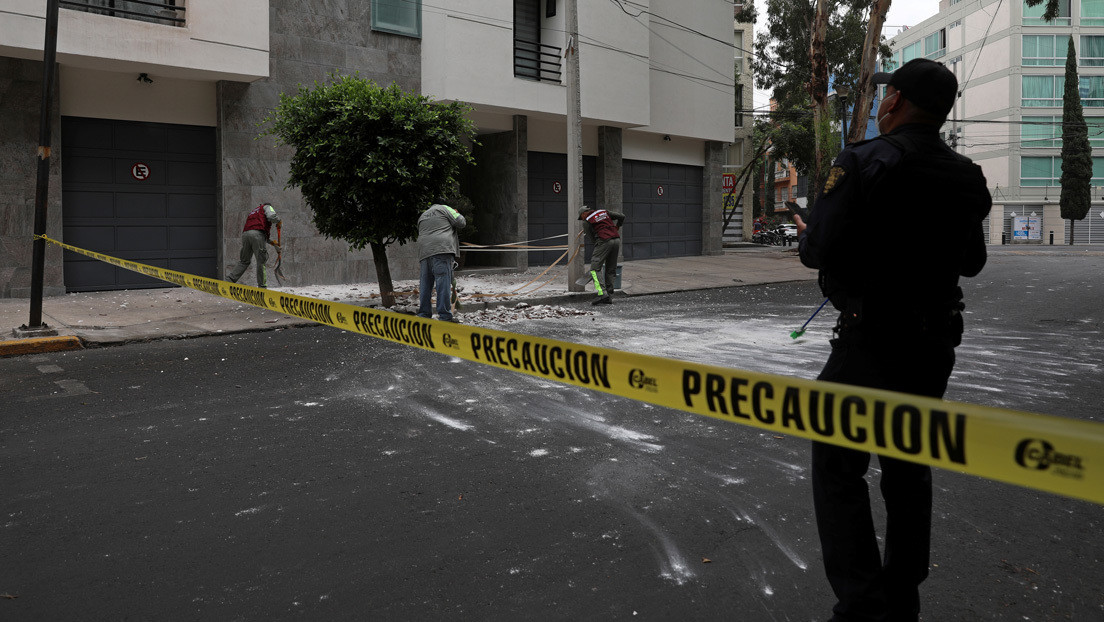 """Ecuador alerta sobre """"peligro inminente"""" de tsunami en sus costas tras terremoto en México"""