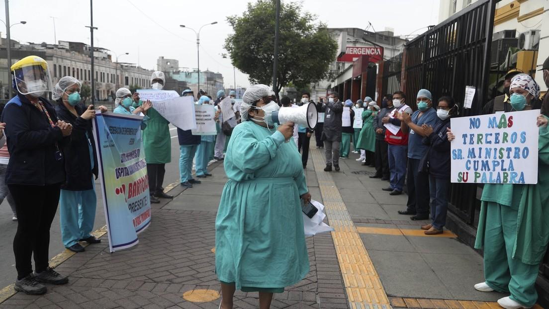 Vizcarra advierte que podría expropiar las clínicas privadas de Perú si no acuerdan una tarifa de atención a enfermos de coronavirus thumbnail