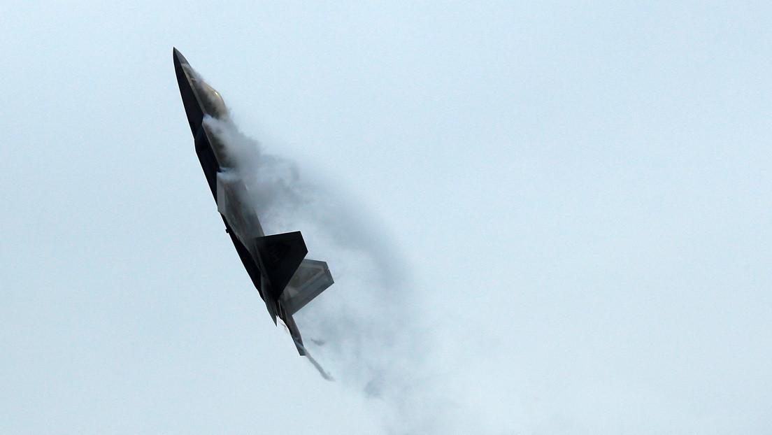 El mando de la Fuerza Aérea de EE.UU. adapta a cazas de entrenamiento F-22 para operaciones de combate