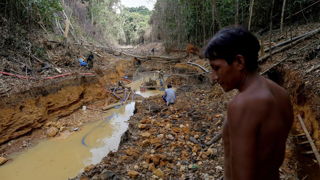La minería ilegal del oro en Brasil amenaza a una importante etnia indígena