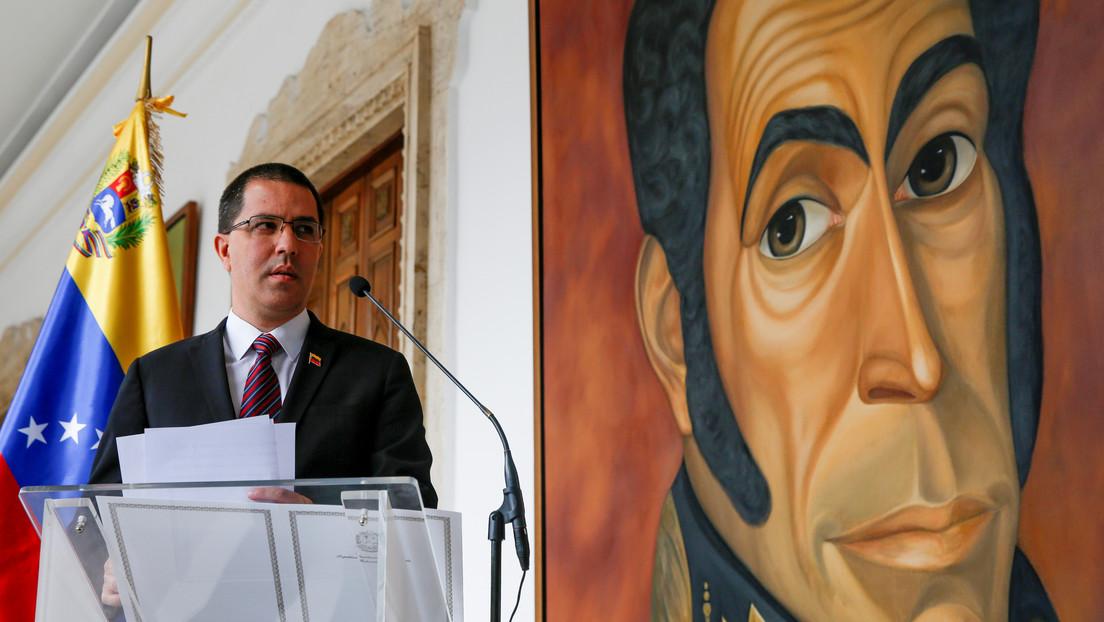 Canciller de Venezuela niega que el jefe del Ejército nacional libio, Jalifa Haftar, haya visitado su país