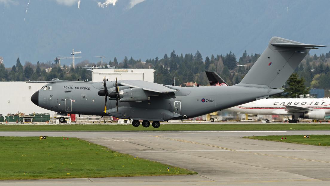 FOTO: Muestran los daños que dejó el impacto de un ave contra un avión militar español