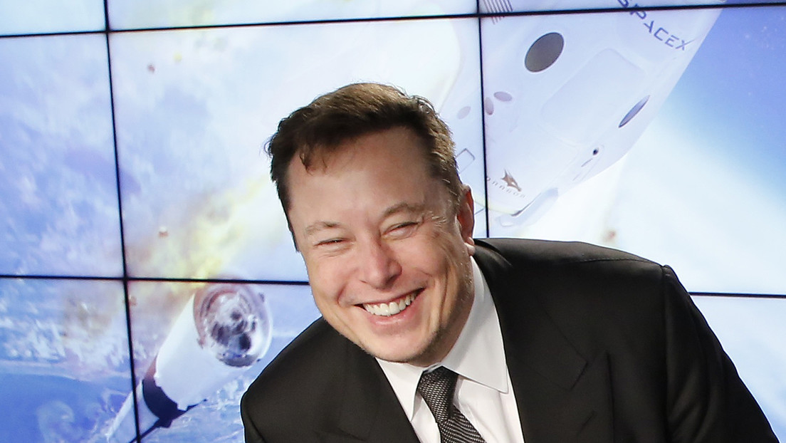 Elon Musk trolea a Jeff Bezos por comprar una empresa de vehículos autónomos