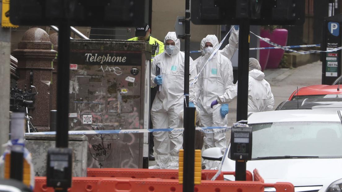 La Policía de Glasgow acordona una calle alertada ante un posible ataque con cuchillo