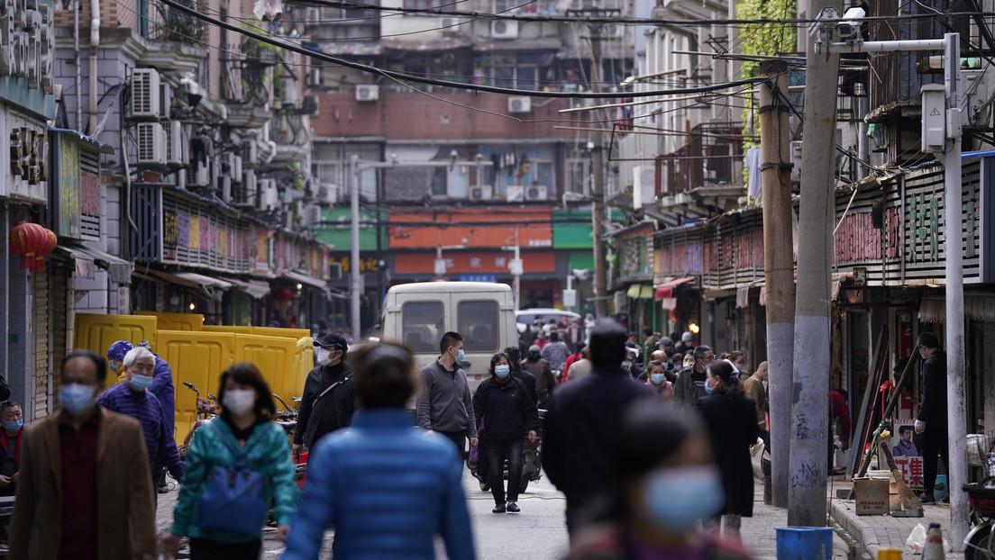 """China pone en cuarentena un condado de 400.000 personas por un rebrote de covid-19 """"extremadamente severo"""""""