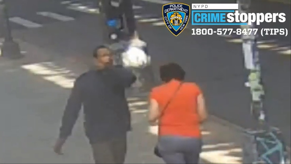 VIDEO: Un hombre golpea en la cabeza a una anciana de 78 años en Nueva York y todo queda grabado