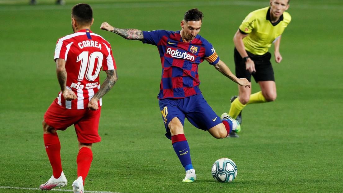 """VIDEOS: Messi anota el espectacular gol 700 de su carrera y las redes explotan celebrando su """"licencia para marcar"""""""