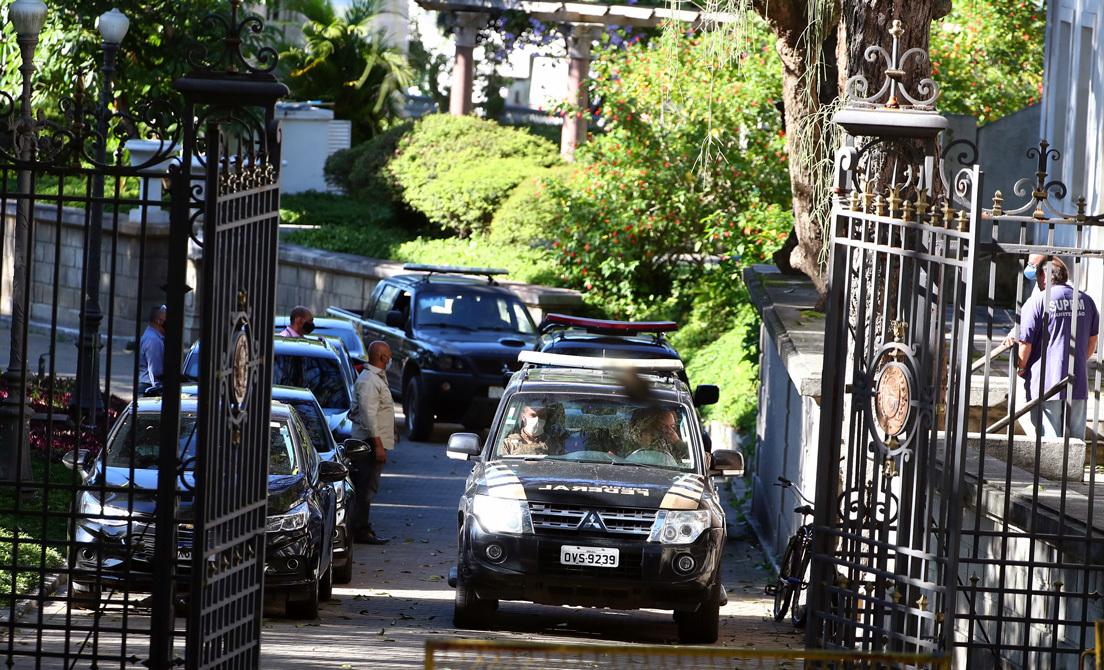 La policía registra la residencia del gobernador de Río de Janeiro, Wilson Witzel, investigado por corrupción, 26 de mayo de 2020. Pilar Olivares / Reuters