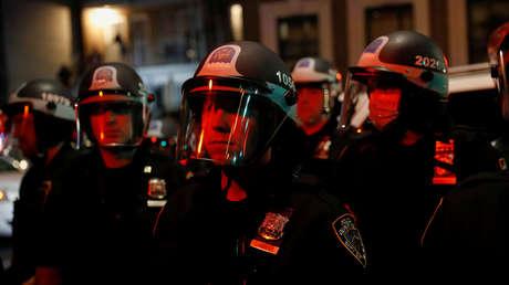 Reportan que un tiroteo en Nueva York deja al menos 5 heridos, entre ellos 2 policías