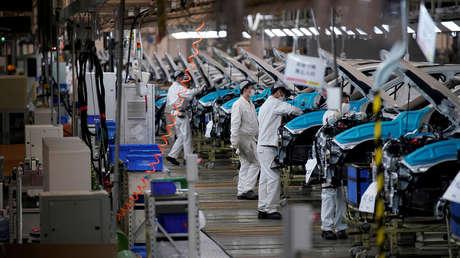 """La actividad económica en China muestra recuperación en medio de la """"incertidumbre"""" y los obstáculos por el coronavirus"""