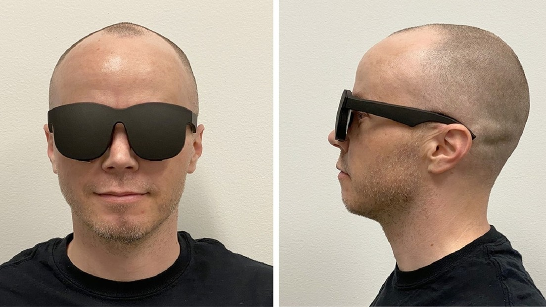 FOTO: Facebook diseña un set de realidad virtual que parece unas gafas de sol