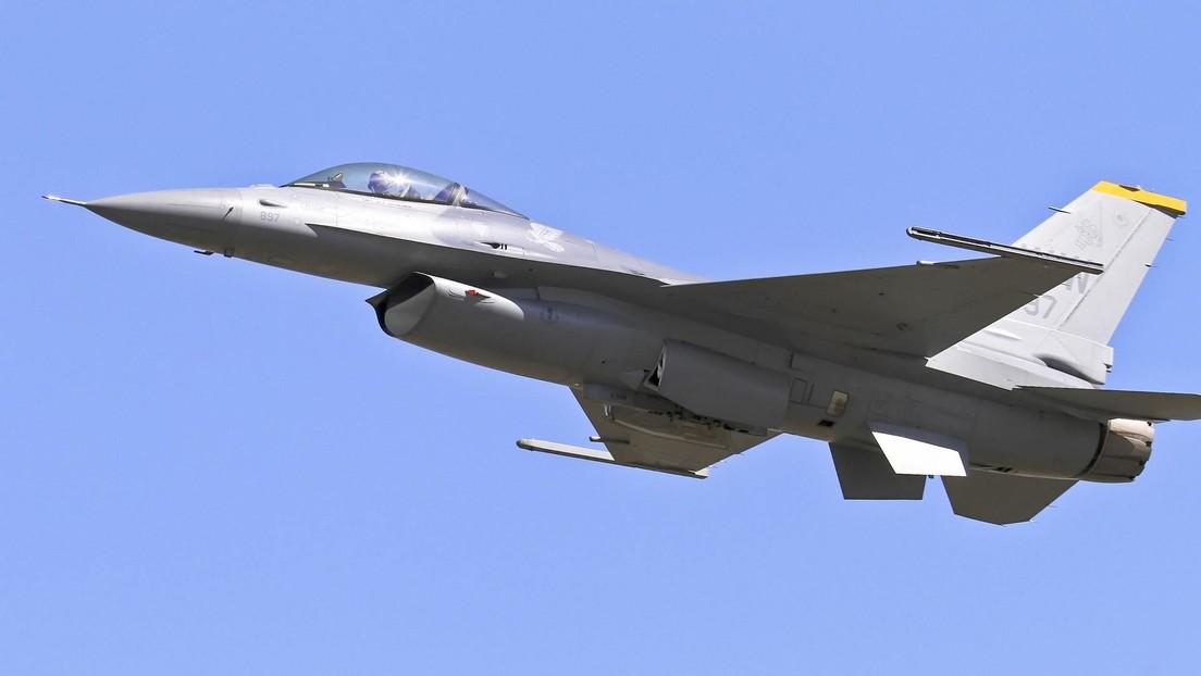 Muere un piloto de la Fuerza Aérea de EE.UU. al estrellarse un caza F-16 (VIDEO)