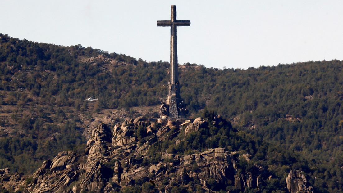 Exhumación de fosas comunes e ilegalización de la Fundación Francisco Franco: el Gobierno de España impulsa una reforma a la Ley de Memoria Histórica