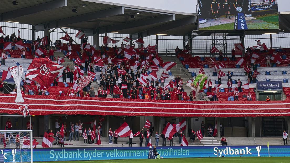 Interrumpen la final de la Copa danesa de fútbol durante 15 minutos porque los aficionados no respetaron el distanciamiento social