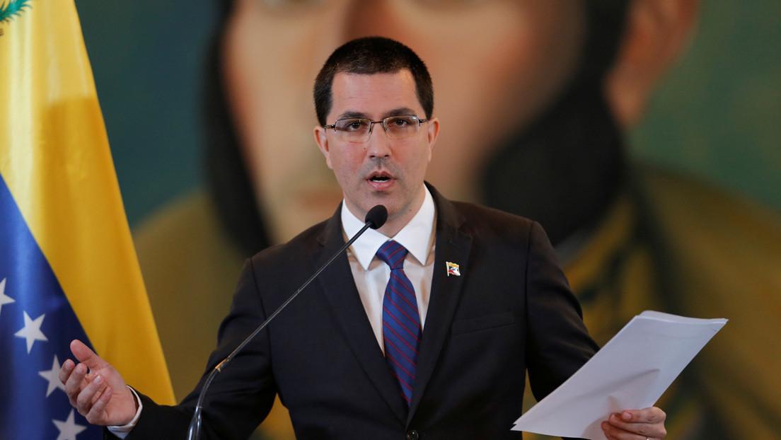 """Caracas rechaza la decisión del tribunal británico sobre el oro venezolano y anuncia que apelará la """"absurda decisión"""""""