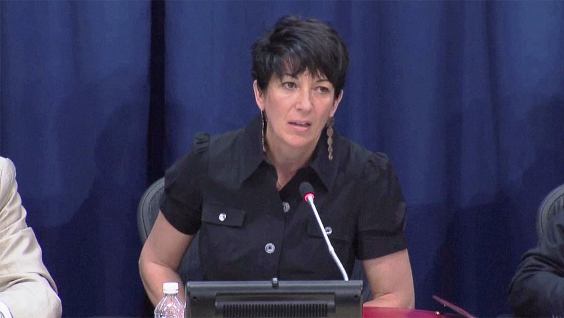 """""""Sabe demasiado"""": el abogado de las víctimas de Epstein dice que Ghislaine Maxwell puede suicidarse o """"ser silenciada"""" en la cárcel"""