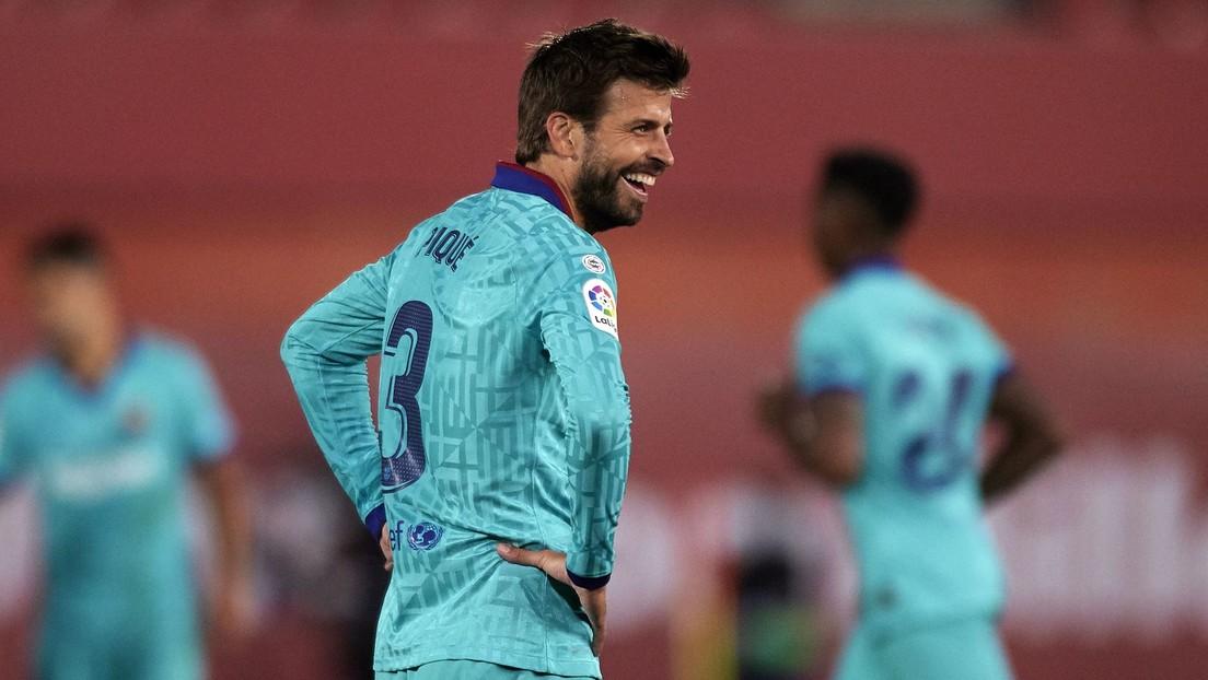 ¿Un recado para el Real Madrid? Piqué se burla del VAR con un polémico gesto tras la anulación de un gol a Messi (VIDEO)
