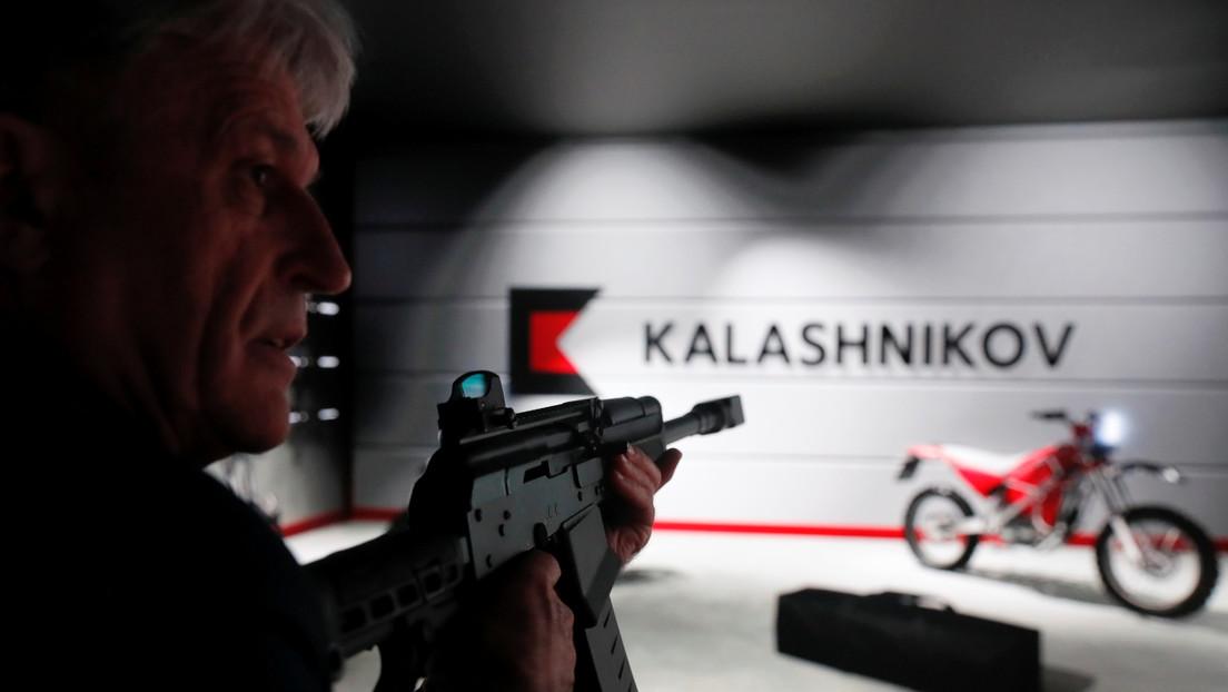 No solo fusiles: el consorcio Kaláshnikov mostró una pistola desarrollada por su armero más famoso (VIDEO)
