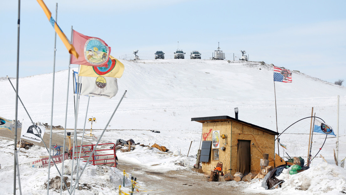 Un juez da la razón a los indígenas de EE.UU. y ordena el cierre temporal del oleoducto Dakota Access