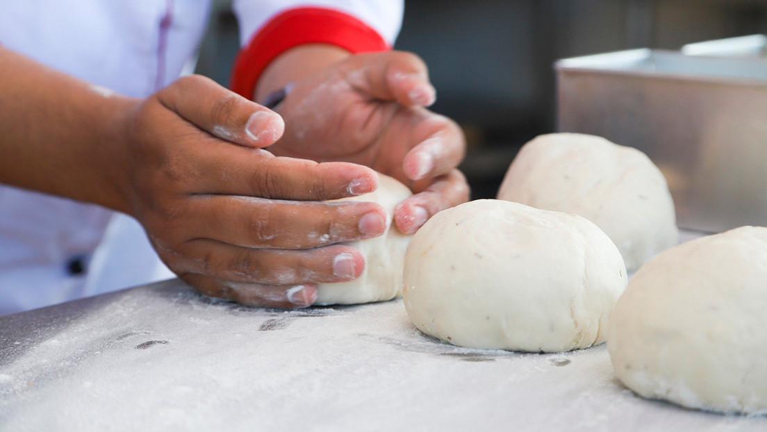 Empleados de un restaurante en EE.UU. son despedidos por hacer una soga de ahorcado con masa de pan (VIDEO)