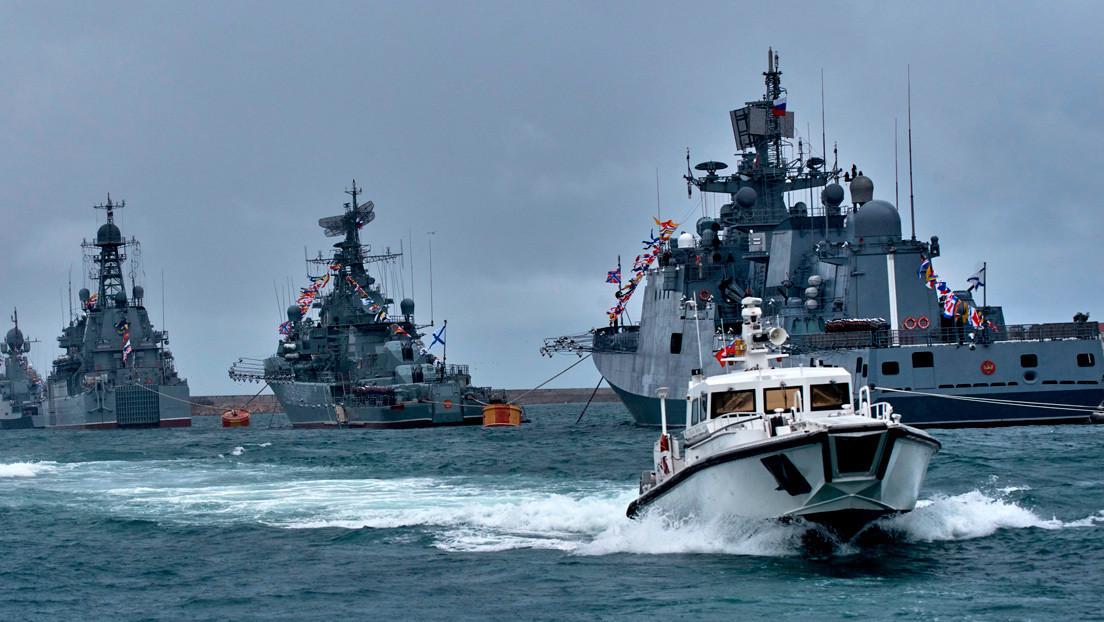 La Armada de Rusia vigila a dragaminas de la OTAN que acaban de entrar en el mar Negro