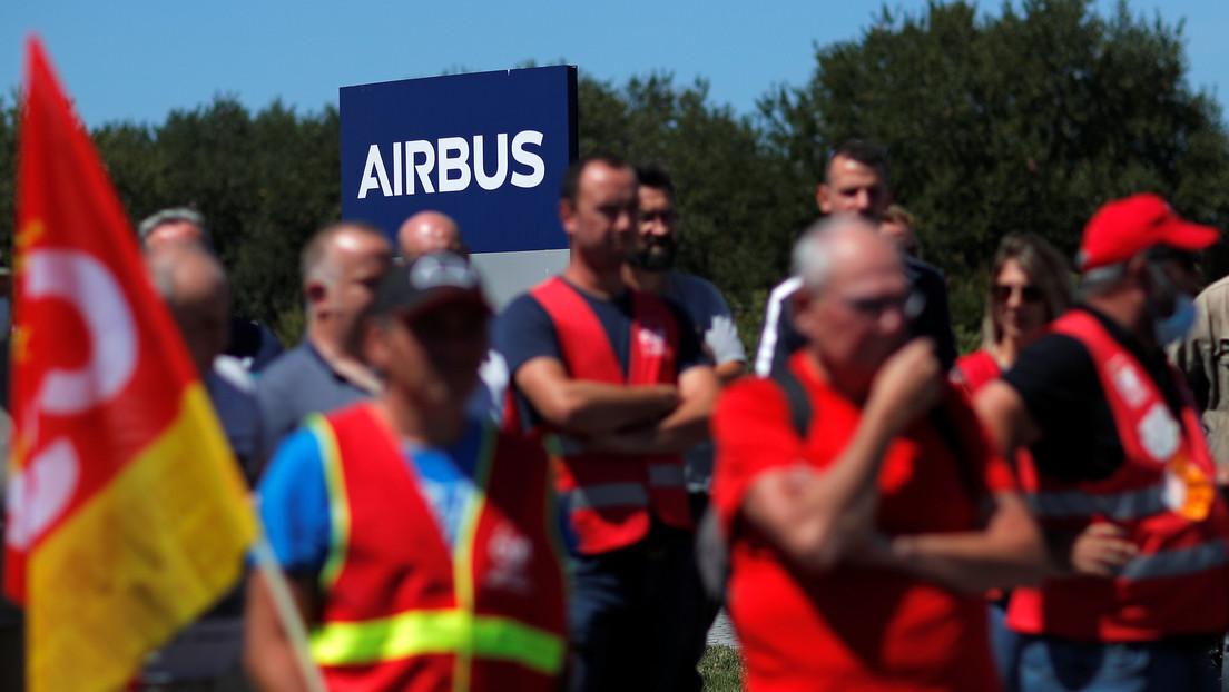 Las entregas de aviones de Airbus se reducen a la mitad en los primeros seis meses del año