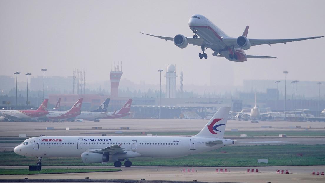 La industria aérea china pierde cerca de 5.000 millones de dólares en el segundo trimestre del año por la pandemia thumbnail