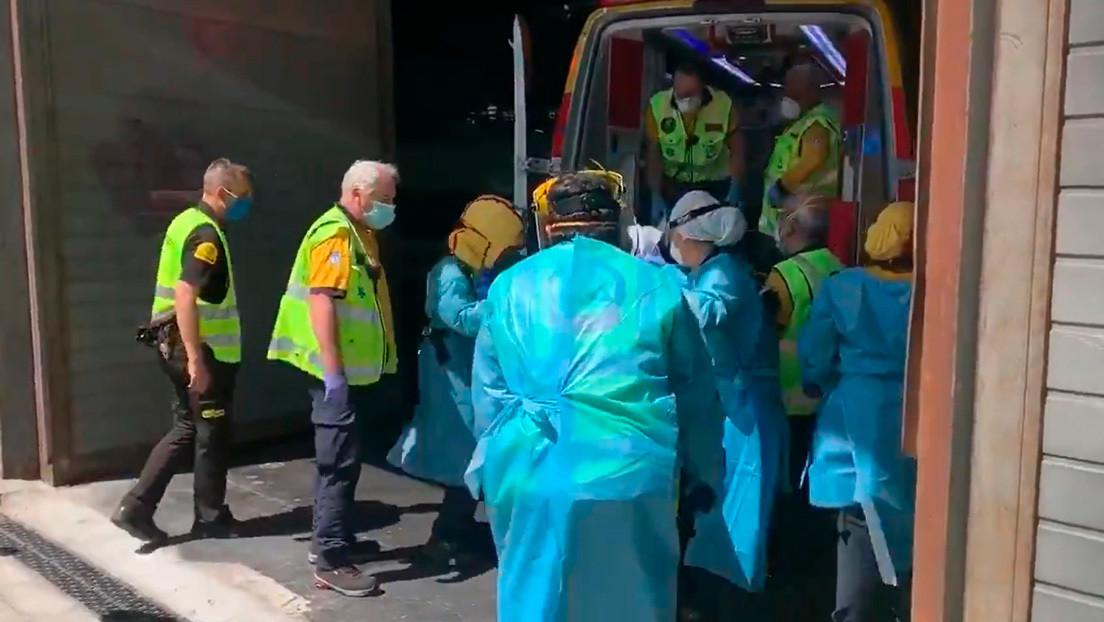 Explosión en la estación de Atocha de Madrid al caer un hombre sobre una catenaria