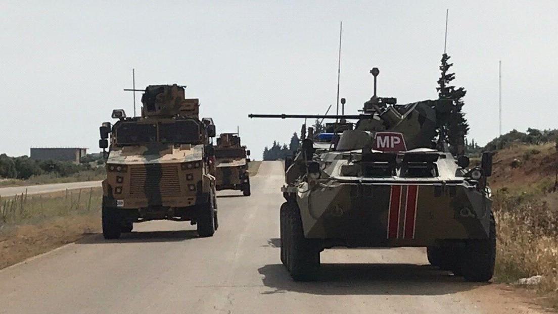 Varios militares resultan heridos por la explosión de una bomba casera al paso de un convoy turco-ruso en Siria