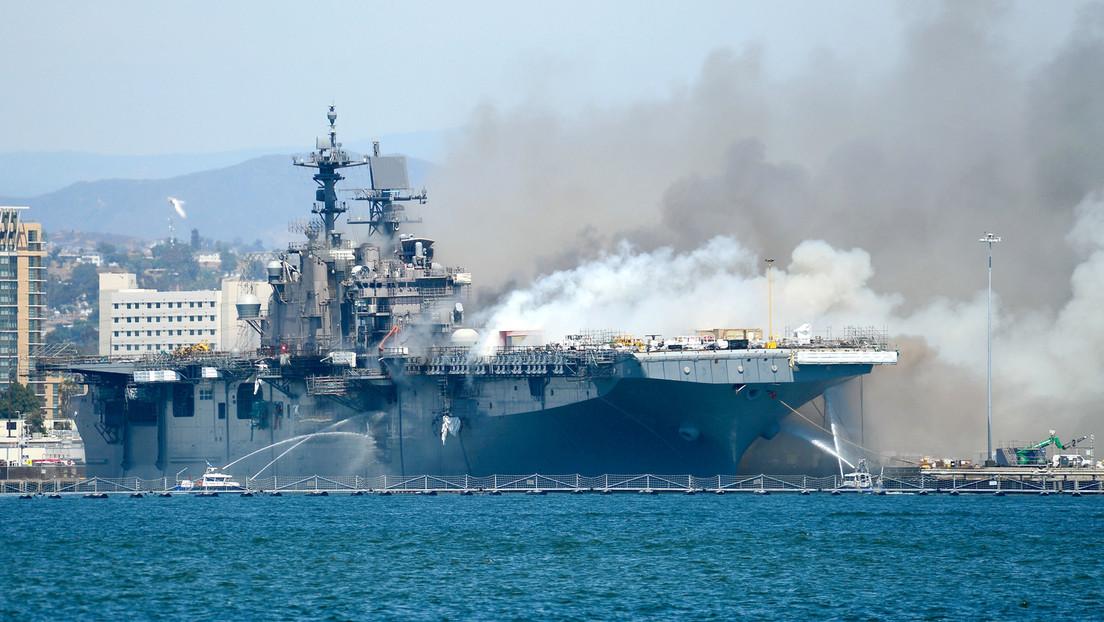 Dos días en llamas: las temperaturas a bordo del buque de asalto incendiado en EE.UU. superan los 500 ºC y el humo llega a San Diego (FOTOS)