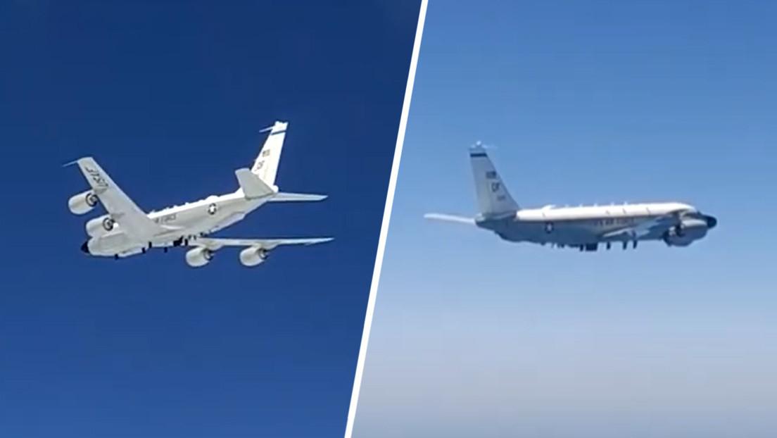 VIDEO: Cazas rusos interceptan un avión de reconocimiento RC-135 de la Fuerza Aérea de EE.UU. sobre el mar Negro