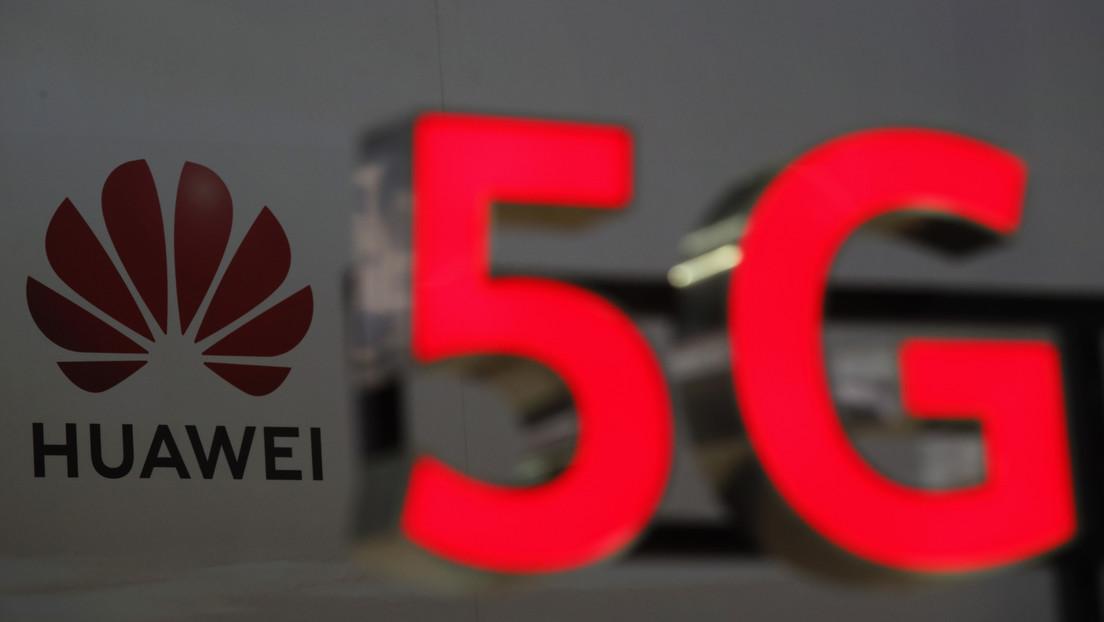 """China dice que la prohibición de Londres a Huawei no trata de """"seguridad nacional"""", sino es un paso """"altamente politizado"""""""