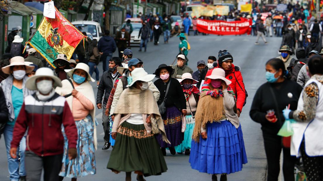 Las razones de las protestas en Bolivia contra el Gobierno de facto (y el silencio de los medios)