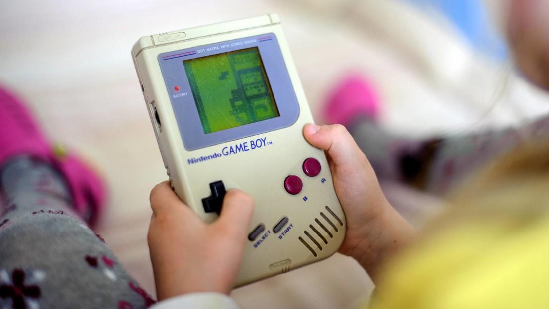 Diseñan un aparato que parece un Game Boy pero que podría ser utilizado para robar coches