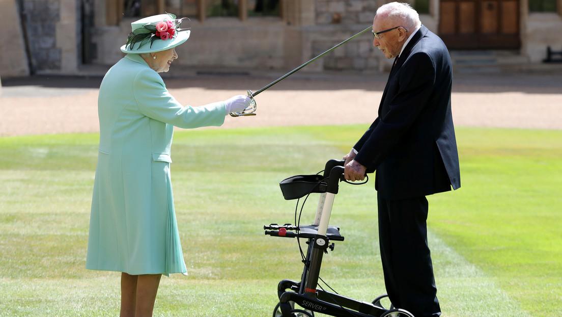 VIDEO: La reina Isabel II nombra caballero al veterano que con su reto de caminar recaudó millones de dólares para la lucha contra el covid-19