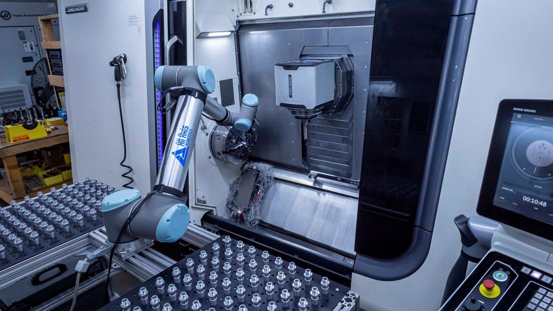 """""""Es lo más productivo"""": Empresa estadounidense utiliza 'cobots' para frenar el impacto económico del covid-19"""
