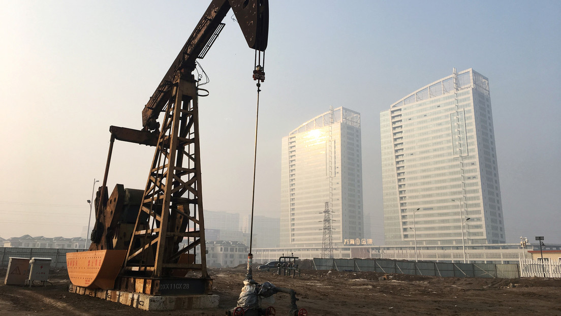 La caída de la demanda de petróleo en China provoca la disminución de los precios del crudo en Asia