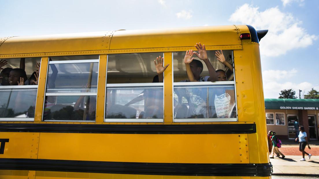 """""""Lo superarán"""": el gobernador de Misuri insiste en que los niños deben volver a la escuela a pesar de que """"se contagiarán"""" de covid-19"""