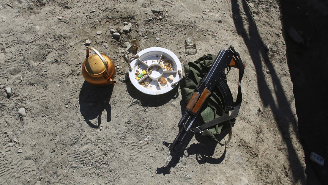 Una adolescente afgana mata a dos talibanes que acababan de asesinar a sus padres