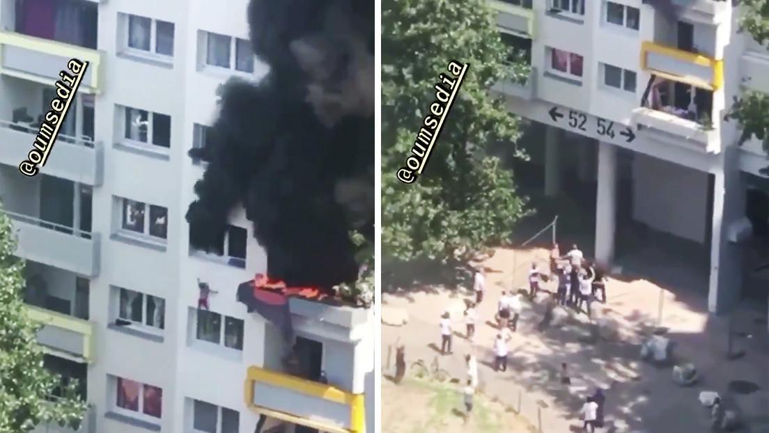 VIDEO: Dos niños atrapadados en un piso en llamas salvan su vida tras saltar desde 12 metros de altura