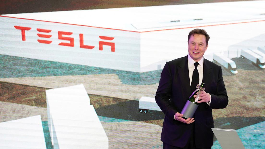 Tesla por primera vez obtiene beneficios por cuarto trimestre consecutivo