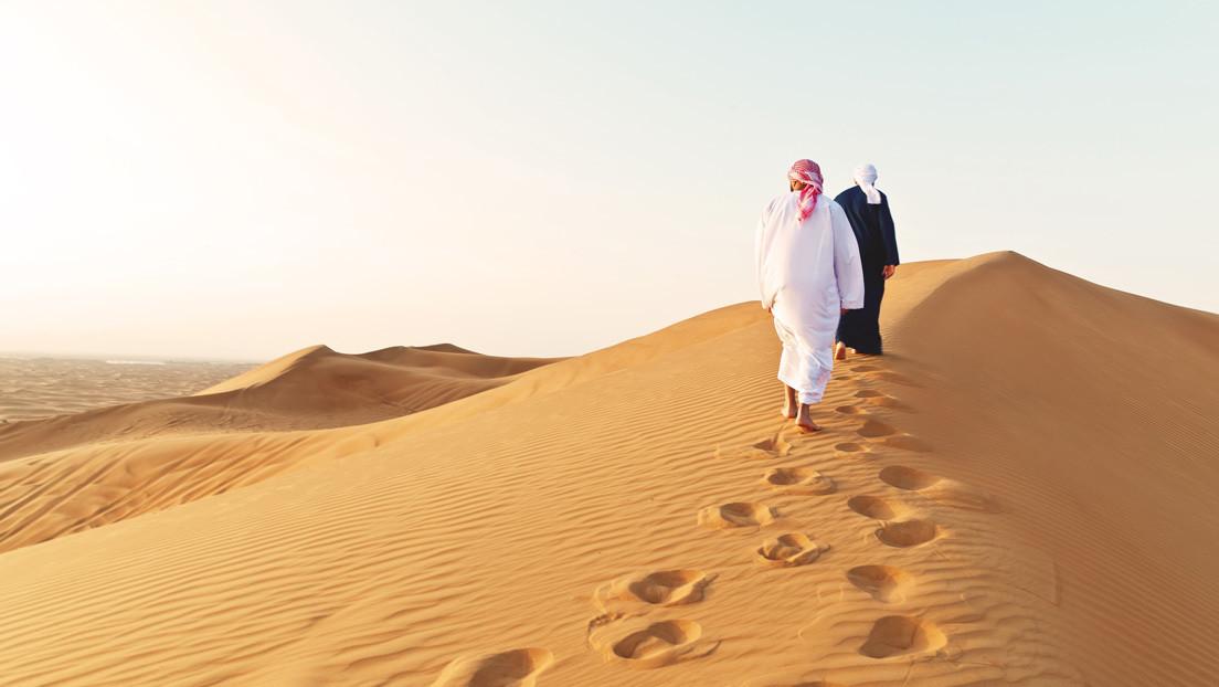 Encuentran muerto sobre la arena y en posición de orar a un saudí desaparecido tres días antes (VIDEO)