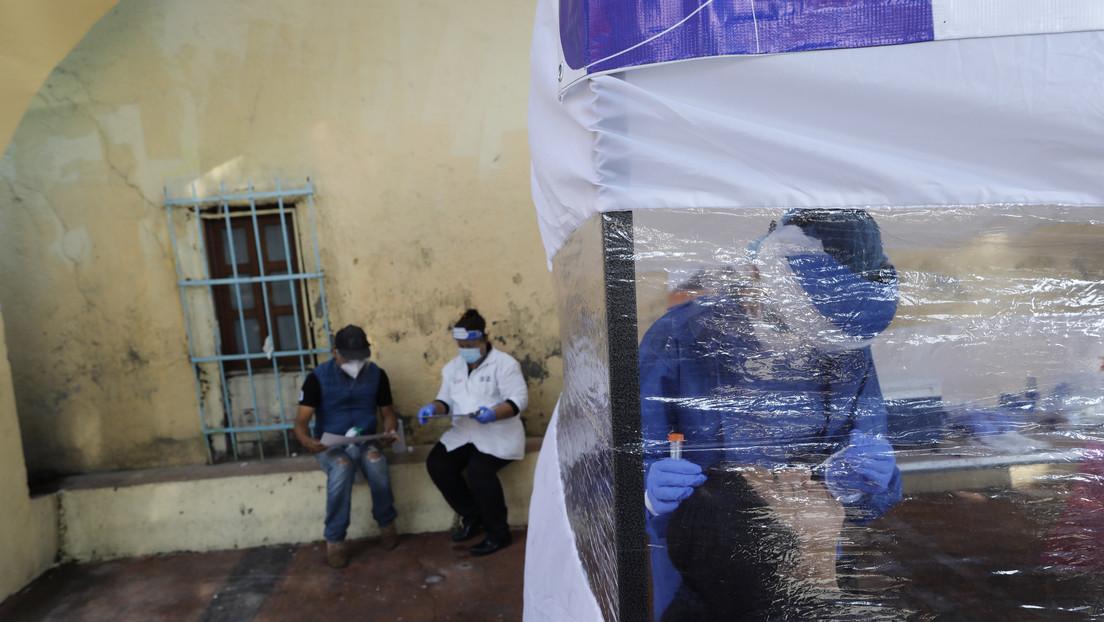 México registra un récord diario de casos confirmados de coronavirus, con 8.438 nuevos contagios thumbnail