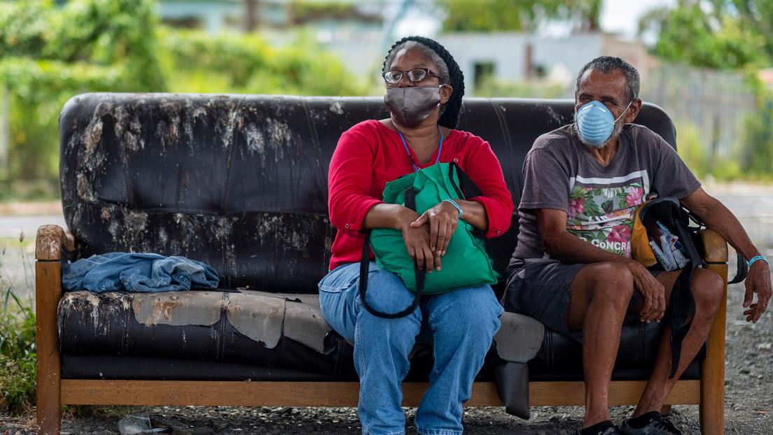 Miles de personas en Puerto Rico siguen viviendo sin hogar después del huracán María