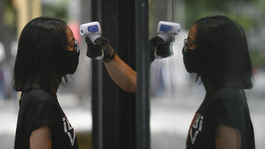 """La OMS advierte que la pandemia de covid-19 es """"una ola grande"""" que va a subir y bajar"""