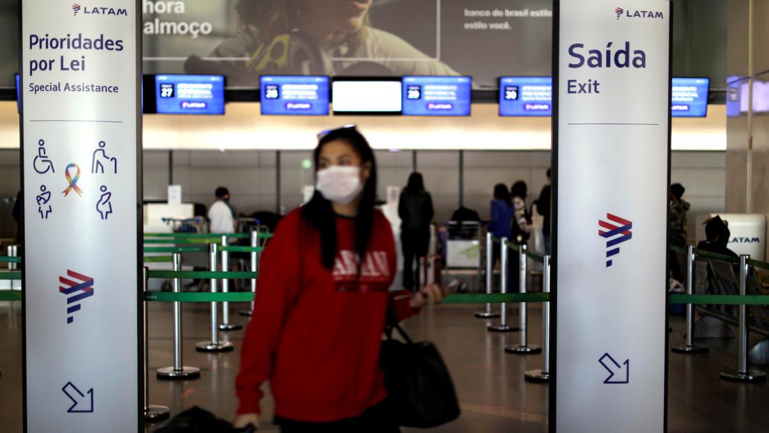Brasil reabre fronteras a quienes lleguen en avión para aliviar su industria turística, justo al registrar un récord de contagios por coronavirus