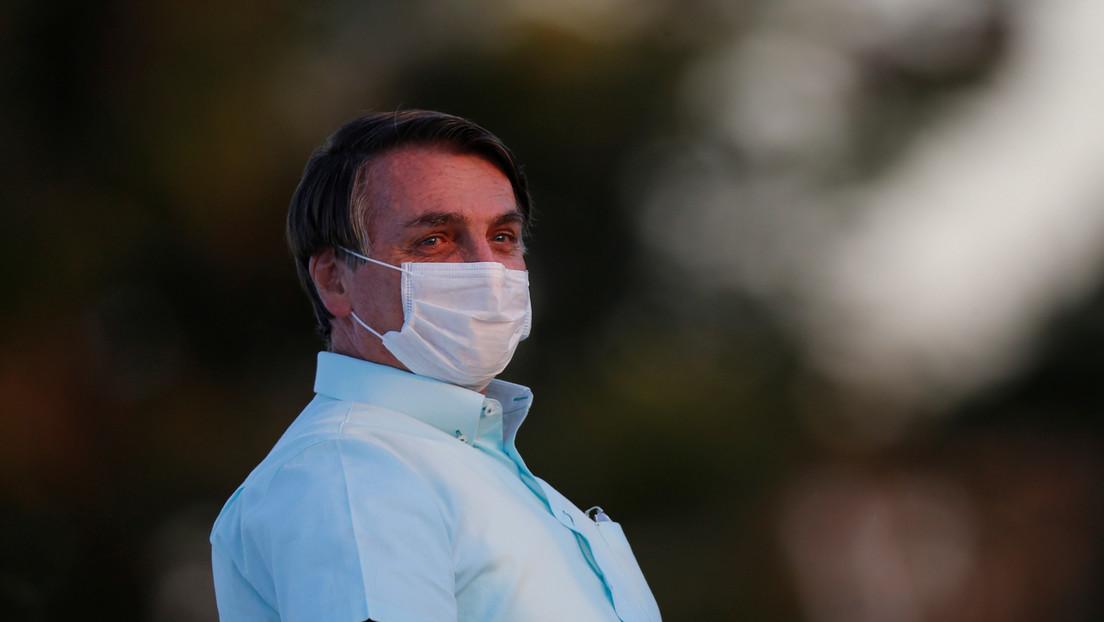 """Bolsonaro afirma que tiene """"moho en el pulmón"""" y se siente """"un poco débil"""" tras superar el coronavirus"""
